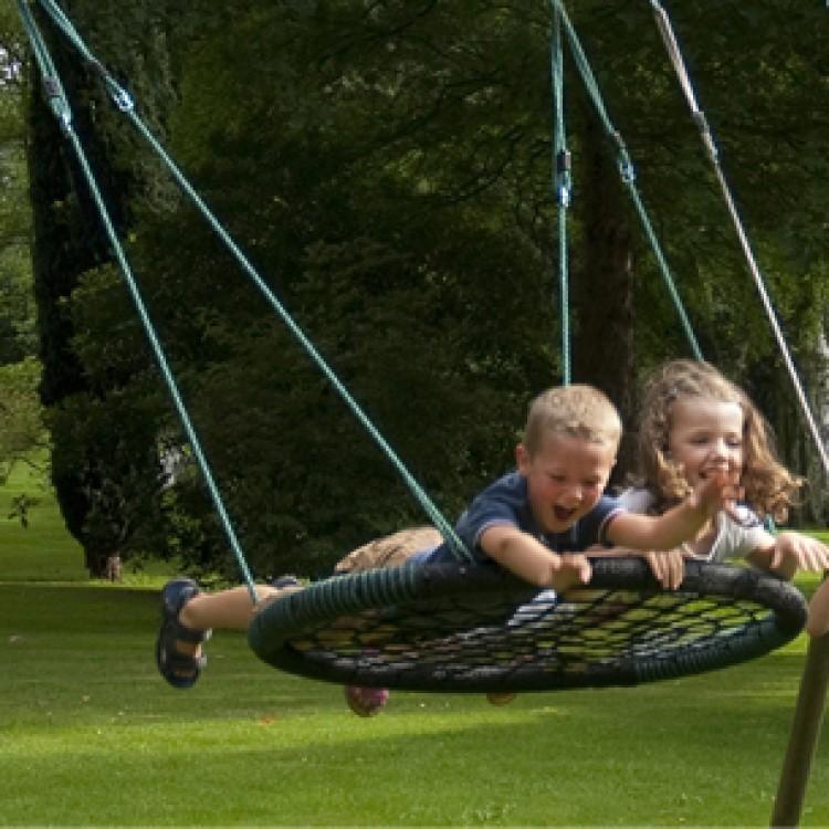 Leagan Tip Cuib Nest Swing