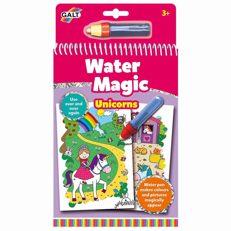 Water Magic: Carte de colorat Unicorni