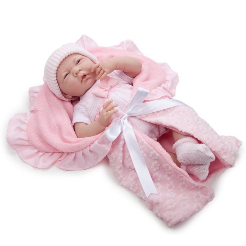 Bebelus nou nascut cu set de accesorii