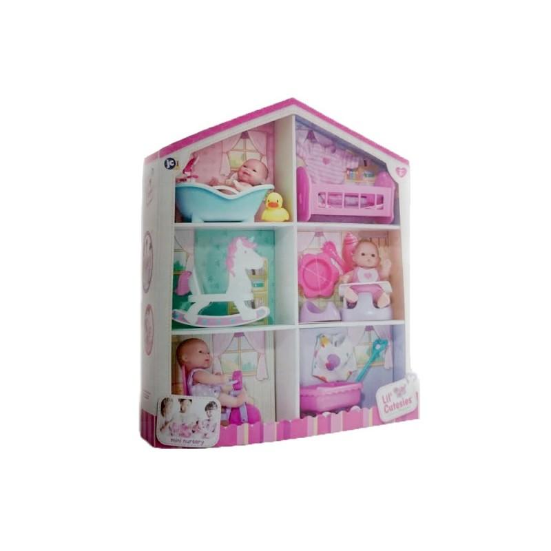Mini casuta carton cu 3 bebelusi 13 cm si accesorii