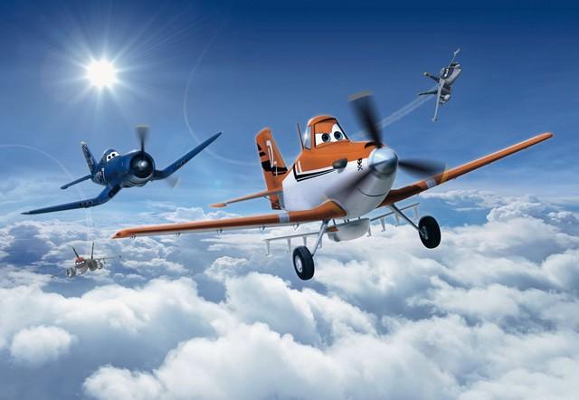 Fototapet 'avioane Deasupra Norilor' - Colectia Disney
