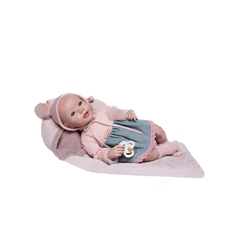 Papusa bebe realist Reborn Leire, rochita de in si lana, cu saculet de dormit, 46 cm, Guca