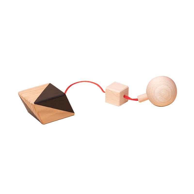 Jucarie din lemn corp geometric romboedru, natur-negru, pentru carusel / centru de activitati, Mobbli imagine