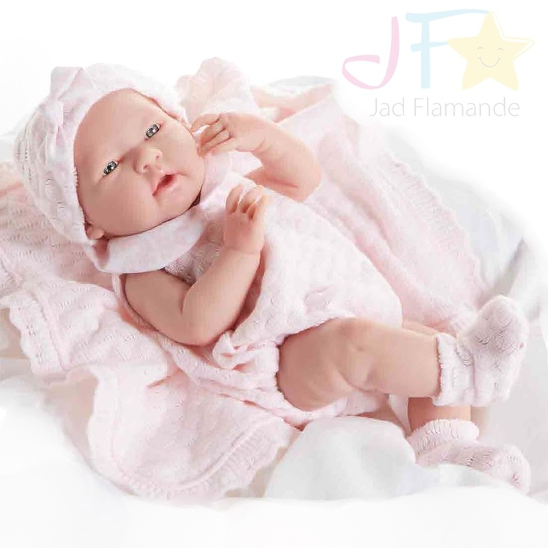 Bebelus nou nascut fetita cu trusou roz