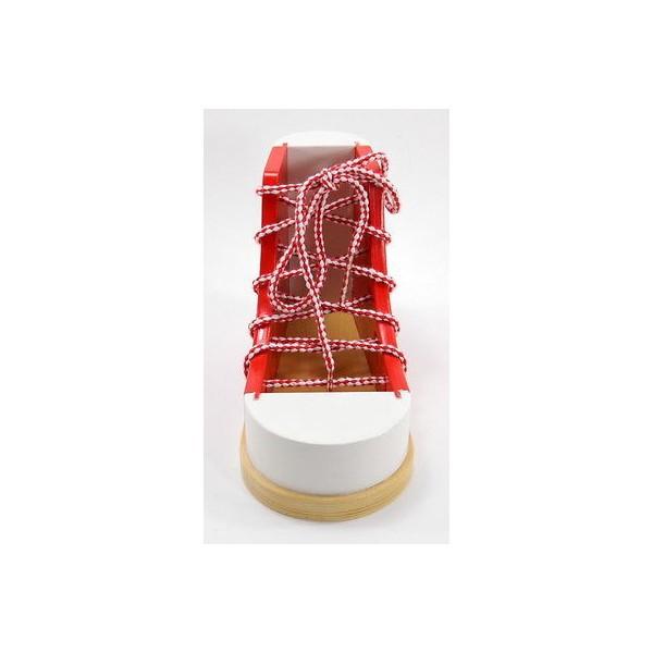 Pantof Cum Sa Legam Sireturile